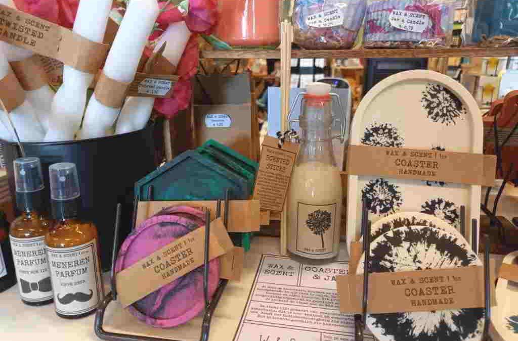 Natuurlijke geurkaarsen, jesmonite onderzetters wax melts en meer producten van Wax & Scent bij Van Sinckel in Vorden